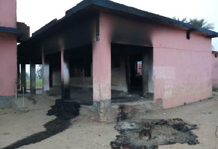 Maoists burn school 730x500
