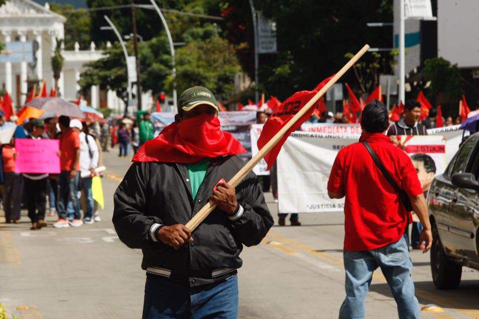 Demonstration Mexiko Sol Rojo 5