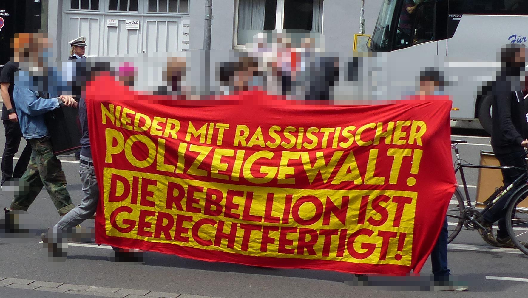Aachen Demo gegen Nazi Bullen 2